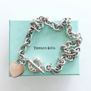 💯 Authentic Tiffany & Co heart toggle necklace